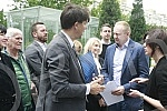 In front of the building of the European Bank for Reconstruction and Development (EBRD), the board group of the Alliance for Serbia handed over a letter and documentation to that bank on the occasion of the garbage incinerator project in Vinca, near
