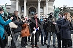 In front of the House of the National Assembly, the Independent Journalists' Association of Vojvodina, the Independent Association of Journalists of Serbia, the Media Association, the Online Media Association and the Business Association of the Assoc
