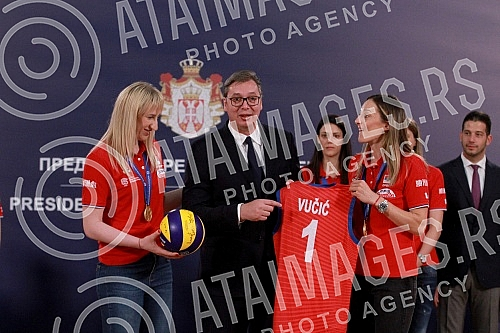 President of the Republic of Serbia Aleksandar Vucic received the Women's Volleyball Team of Serbia, which won a gold medal at the European Championship in Turkey. 