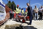 Minister Ivica Dacic attended the laying of the foundation stone for new housing for refugees.